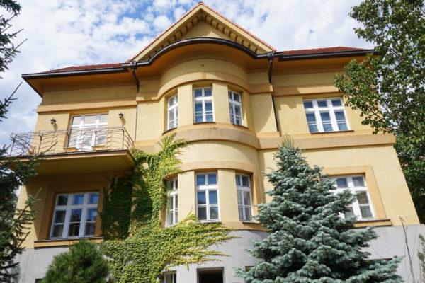 Rekonstrukce luxusní vily týmem STARWORK.